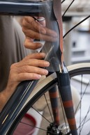 Cuir d'exception: Hermès réalise des cuirs à la demande de ses clients, comme celui-ci, peint à la main, dont le rendu unique crée un effet d'optique. ((Photo: Eric Chenal))