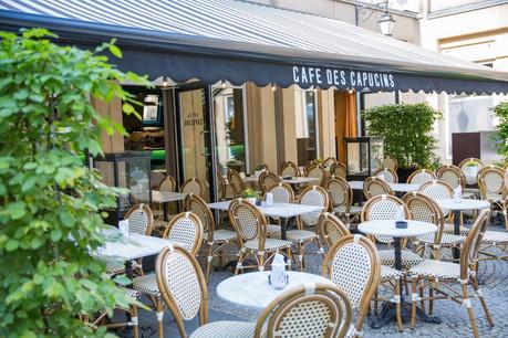 Avec son ambiance intemporelle et son calme à quelques pas de la Grand-Rue, la terrasse du Café des Capucins est un endroit tout trouvé pour une pause gourmande lors d'une virée shopping ou pour l'apéritif… (Photo: Weidert Alexandre /Café des Capucins)