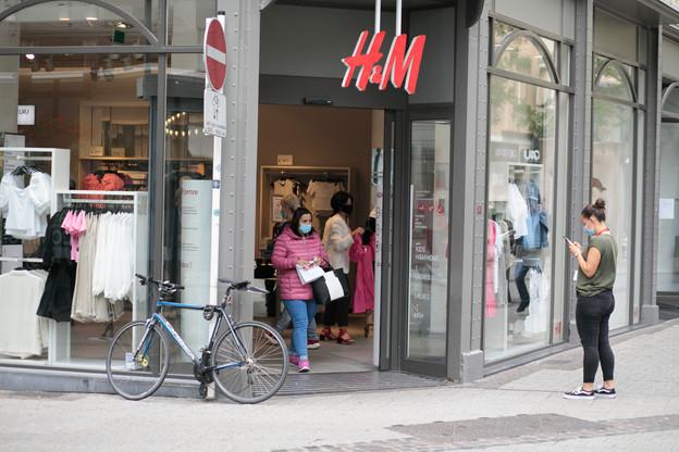 L'OGBL organise un piquet devant le magasin de la Grand-Rue à Luxembourg-ville. (Photo: Matic Zorman / Maison Moderne)