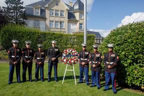 La garde marine de l'ambassade des États-Unis. ((Photo: Matic Zorman/Maison Moderne))