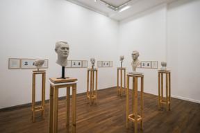 Oeuvre de Christine Borland présentée dans «L'homme gris». ((Photo: Mike Zenari))