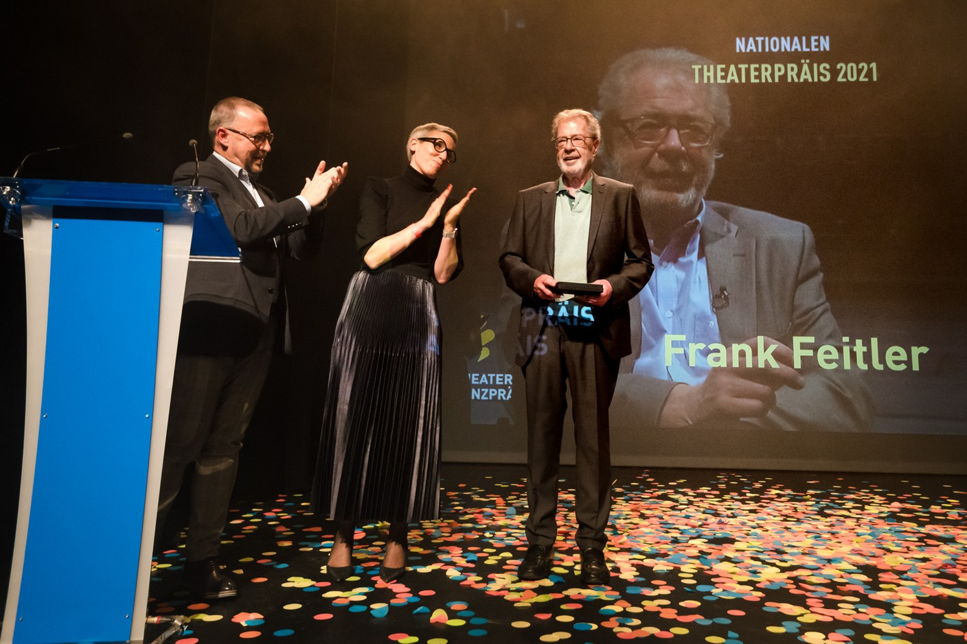 Claude Mangen and an emotional Sam Tanson presented the first Nationalen Theaterpräis to Frank Feitler, a great man of Luxembourg theatre...  (Photo: Nader Ghavami/Maison Moderne)