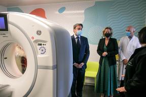 Un scanner permet, en 15 secondes, de savoir où en est un patient donné, afin donc de mieux gérer son traitement. ((Photo: Matic Zorman))