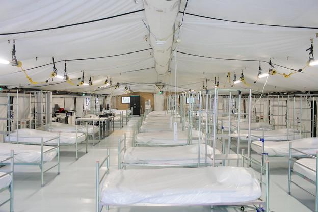 80 patients pourraient être accueillis dans l'hôpital de campagne installé à côté du CHL, si les capacités d'accueil étaient saturées. (Photo: Matic Zorman)