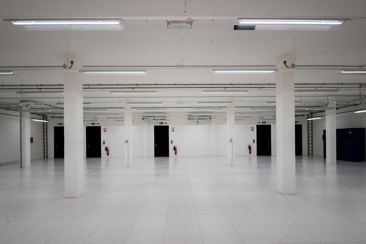 La salle de Luxconnect, quasiment chirurgicale, qui attend le HPC luxembourgeois depuis le printemps dernier, sera remplie et fonctionnelle à partir du 1er janvier 2021. (Photo: Paperjam)