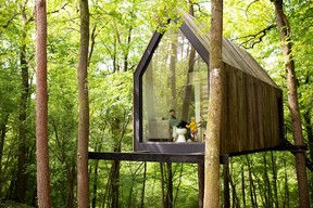 The Flying Farmhouse and one of its (two) glass walls.  Ici