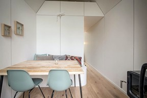 The Flying Farmhouse can accommodate four people.  Ici