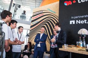 Claude Meisch (Ministre de l'Éducation) et Frank Roessig (Proximus) ((Photo: Nader Ghavami))