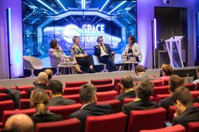 Carine Claeys (EEAS), Tanja Zegers (Commission européenne), Hermann Ludwig Moeller (ESA) et Christine Leurquin (SES) ((Photo: Edouard Olszewski))