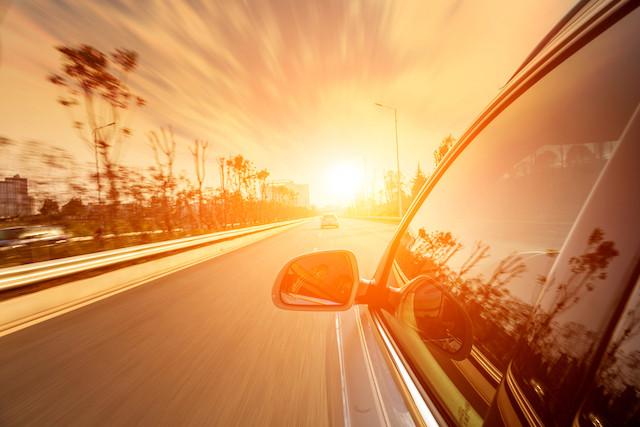 Les cas d'enfants oublié dans une voiture en plein soleil se multiplient, avec parfois des conséquences dramatiques. Mais IEE a lancé une solution technologique au millimètre près. (Photo: Shutterstock)
