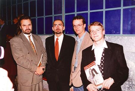 L'équipe autour du lancement d'Explorator (de gauche à droite): Jean-Claude Bintz, Mike Koedinger, Christian Aschman (photographe) et Frédéric Humbel (premier rédacteur en chef). (Photos: Explorator/archives)