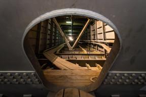 Pour circuler dans les entrailles du pont, on passe par des portes-écoutilles, comme dans un sous-marin. ((Photo: Nader Ghavami))