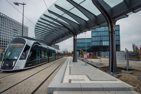 En prenant la place des bus, le tram, qui est électrique, a un impact positif sur la qualité de l'air. (Photo: Mike Zenari/Archives)