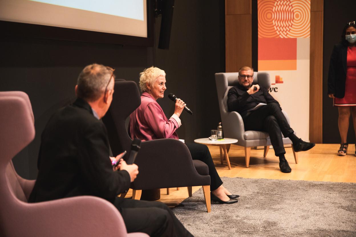Jim Kent (Maison Moderne), Sasha Baillie (Luxinnovation) et François Génaux (PwC Luxembourg) (Photo: Christophe Debailleul/Maison Moderne)