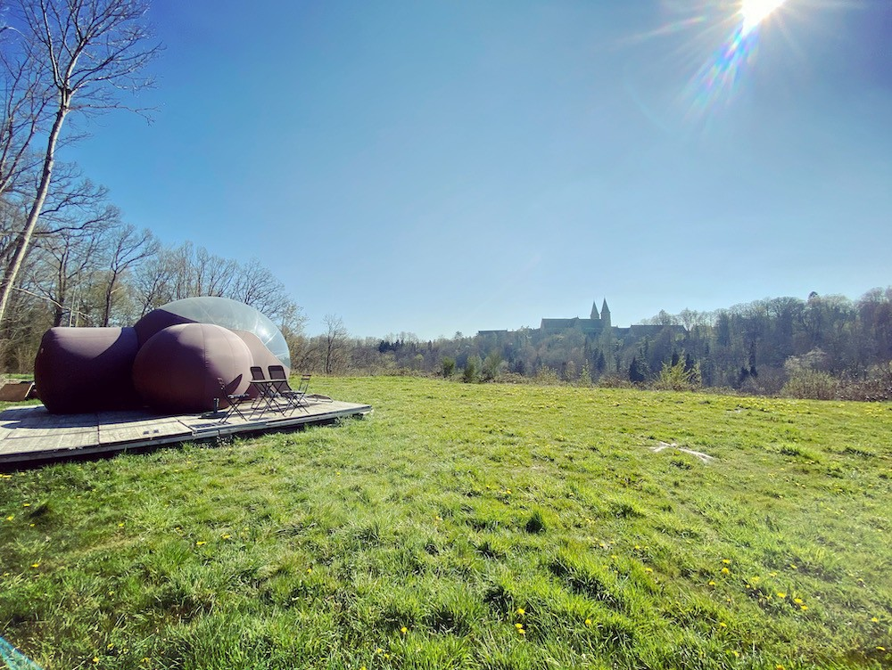 """The """"Mared'sous Bulle"""", with a view on the famous abbey.  (Photo: Bubbleplace)"""