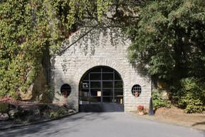 Les Caves St Martin, rachetées en 1984 par la famille Gales, bénéficient entre autres d'une belle salle de dégustation proposant plus d'une trentaine de cuvées… ((Photo: Romain Gamba / Maison Moderne))