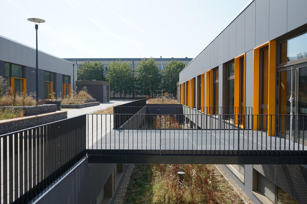 Le Lycée technique du Centre, à Luxembourg, dispose d'un nouveau hall des sports et d'un nouveau restaurant scolaire. (Photo: Decker, Lammar & Associés)