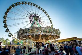 La grande-roue Bellevue et le Carrousel gallopant ((Photo: Nader Ghavami))