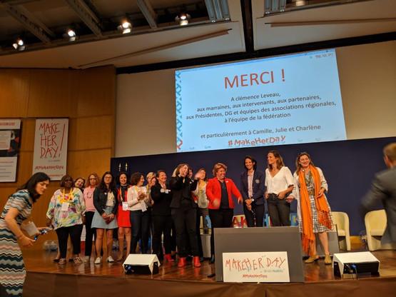 Rita Knott (deuxième à gauche) et quelques-unes des femmes qu'elle a accompagnées lors d'une conférence à Paris. (Photo: D.R.)