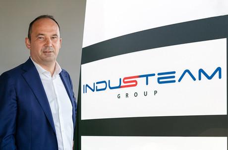 En rachetant l'un des trois sites d'Emsil en Roumanie, Industeam constitue sa base de production en Europe de l'Est. (Photos: Romain Gamba/Maison Moderne)