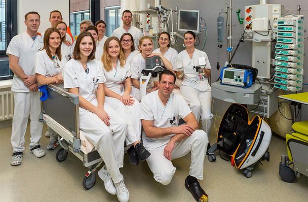 À l'image du personnel du Centre hospitalier du Nord, la pandémie de coronavirus montre toute l'importance des infirmiers et infirmières(neuf sur dix sont des femmes). Il en manque près de 6 millions dans le monde, selon l'OMS (Photo: Gilles Martin / Centre hospitalier du Nord)