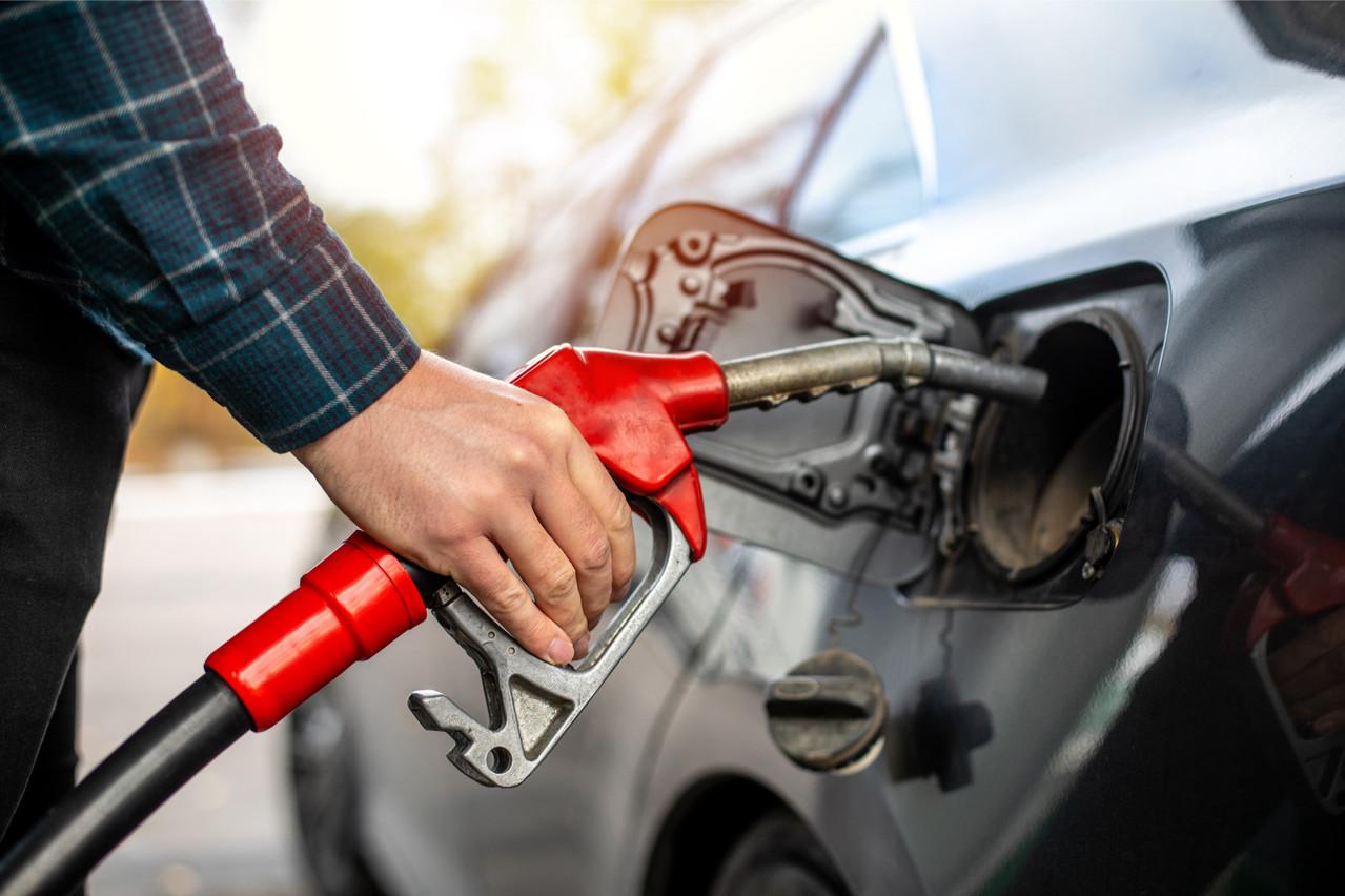 Sur un an, la hausse des prix des produits pétroliers dépasse les 13% (Photo: Shutterstock)