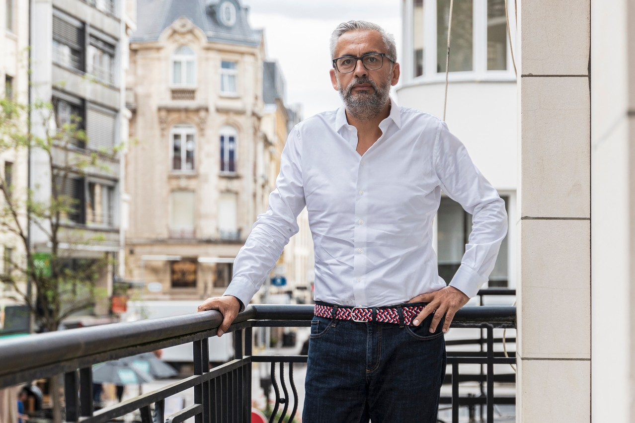 «Une personne influente est donc une personne que l'on écoute dans le présent et que l'on considère pour le futur», souligne Mike Koedinger, founder & chairman de Maison Moderne, co-initiateur du Paperjam Top 100 et animateur du jury. (Photo: Maison Moderne/Archives)
