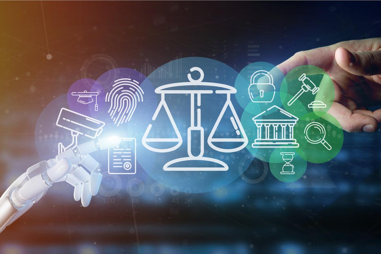La technologie – et en particulier l'intelligence artificielle – aura un impact sur le fonctionnement de la justice. Les juristes appellent à prendre en compte les enjeux portés par certains développements. (Photo: Shutterstock)