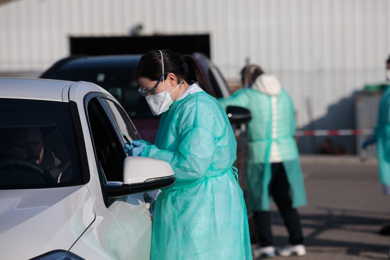 Le nombre d'infirmiers mobilisés pour le dépistage est passé de 20 à 80 depuis la fin mai. (Photo: Matic Zorman / Maison Moderne)