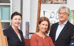 Sabine Taevernier, consultante indépendante en art moderne et d'après-guerre, et Anne Pontégnie, consultante indépendante en art contemporain et émergent, ont rejoint Hubert d'Ursel au sein du comité d'experts Art Collections chez Degroof Petercam.  David Plas Photography