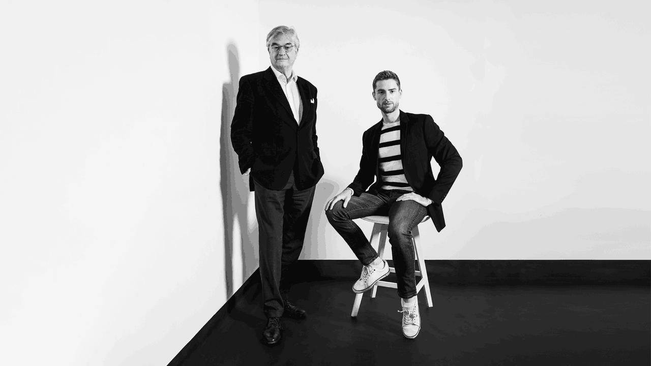 Hubert d'Ursel, Head of Art Advisory chez Degroof Petercam et Charles,jeune entrepreneur intéressé par l'art. (Photo : Maison Moderne)