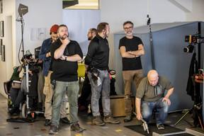 Les équipes, pendant le tournage chez Maison Moderne. ((Photo: Jan Hanrion / Maison Moderne))