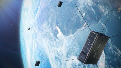 Lancé sur une orbite héliosynchrone de 500 à 600km, le troisième groupe de satellites de Kleos doublera la couverture de la société sur les deux pôles, ce qui complètera les satellites de la mission d'exploration et de la mission de vigilance polaire, et améliorera la couverture mondiale, explique Kleos, dans son communiqué. (Photo: Kleos)