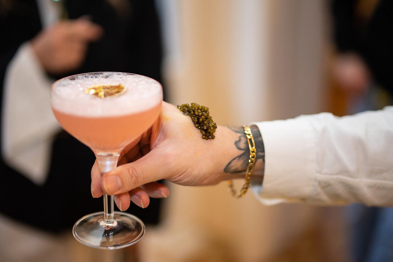 Le cocktail«Pamela Rose» de Laura Hanin s'accorde très bien avec un excellent caviar, entre autres… Hadrien Friob