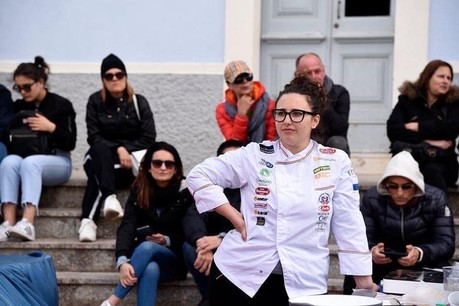 Ni la compétition ni le milieu très masculin de la cuisine n'empêchent Giulia Caria d'atteindre ses ambitions. (Photo: Alterego)