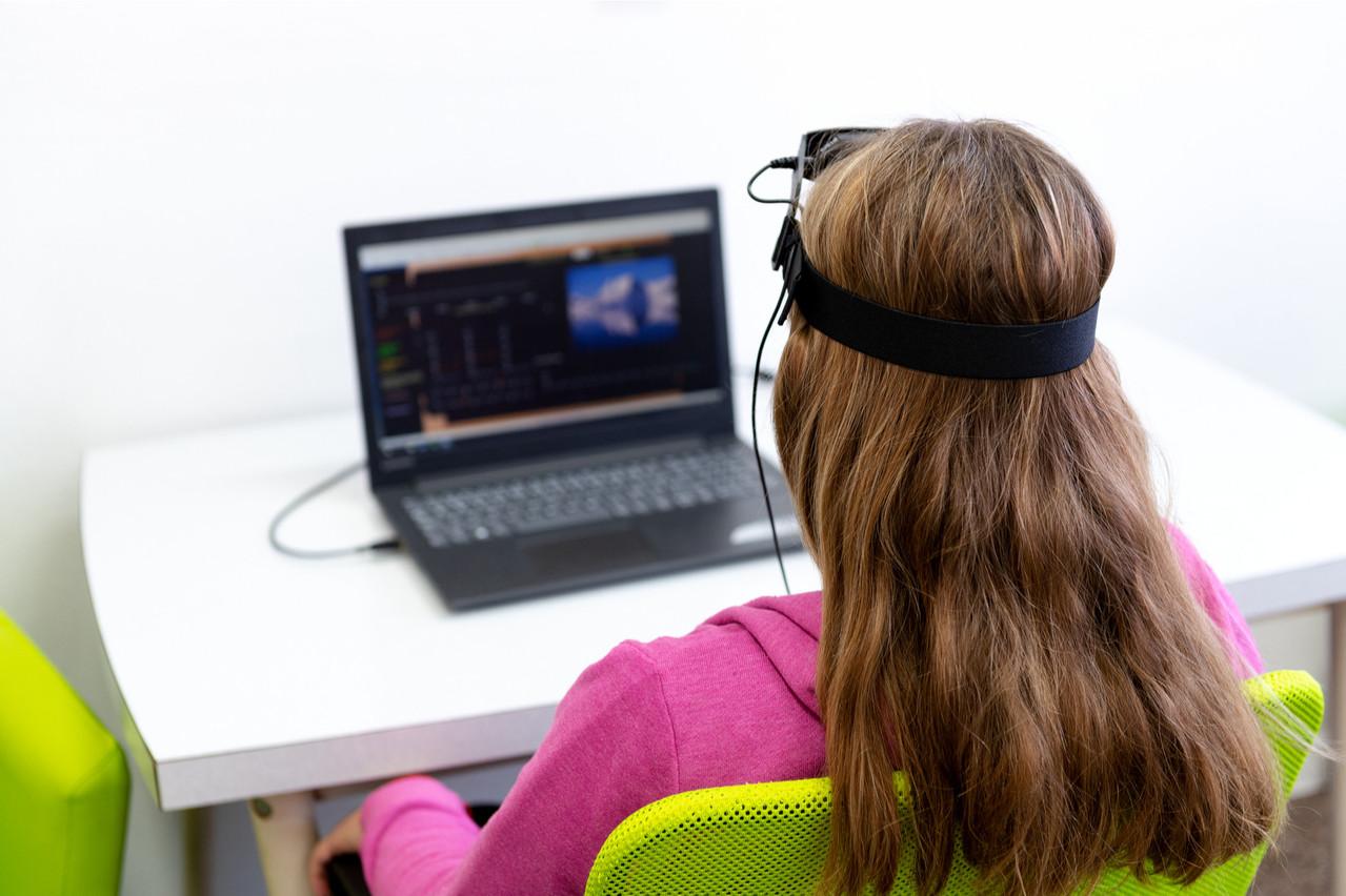 Le neurofeedback vise à réguler l'activité neuronale pour soigner certains troubles, ou améliorer son bien-être.  (Photo: Shutterstock)