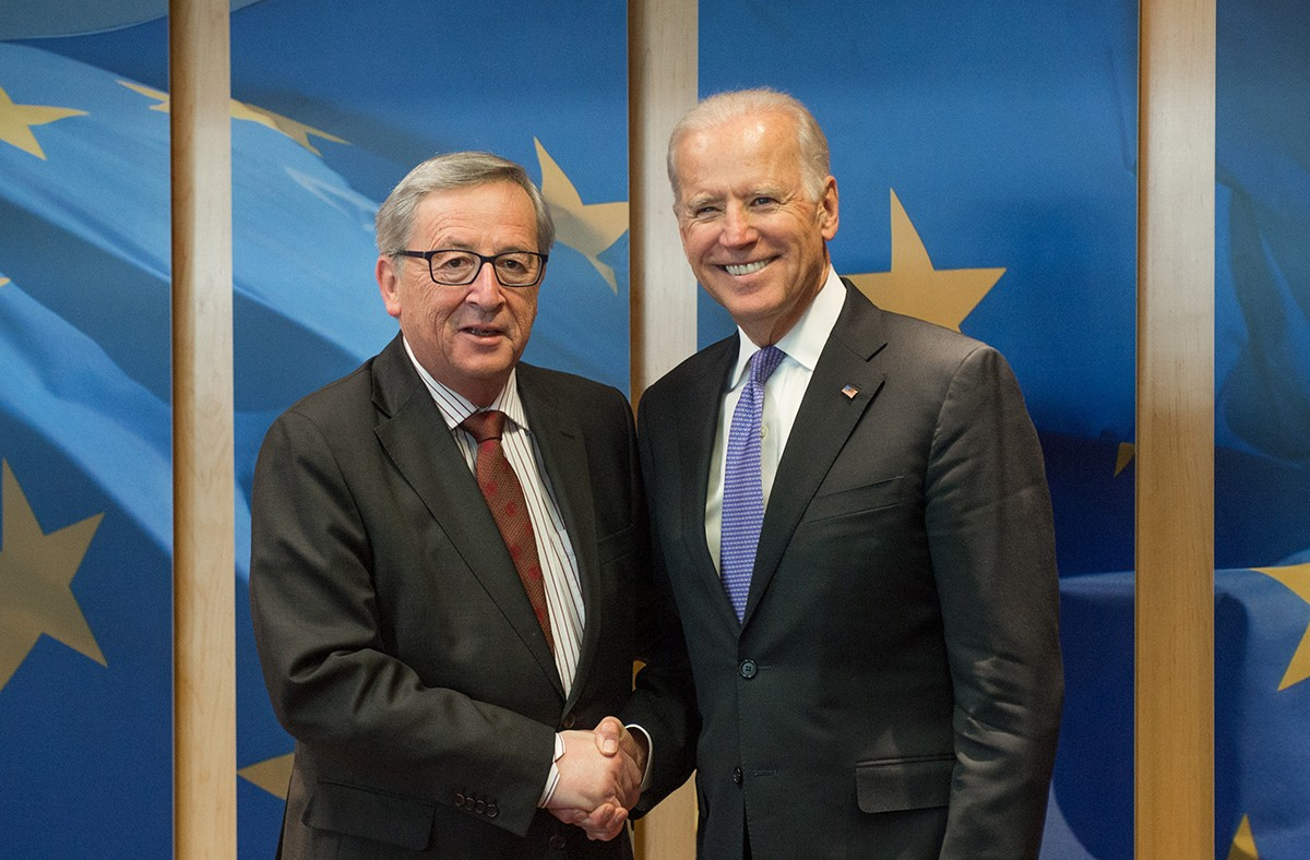 Jean-Claude Juncker a beaucoup fréquenté Joe Biden quand il était le vice-président de Barack Obama. (Photo: European Union, 2015)