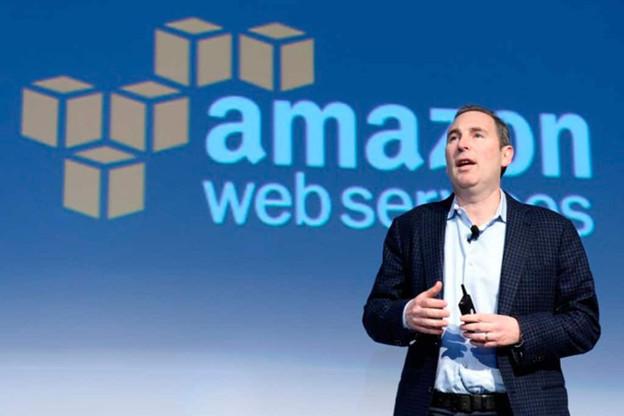 Andy Jassy a été à l'origine d'Amazon Web Services, qui continue de gagner des parts de marché: +30% l'an dernier, «grâce» à la pandémie. Il succède à Jeff Bezos, qui a au moins un autre projet à un instant crucial, Blue Origin et la conquête de la Lune. (Source: AWS)