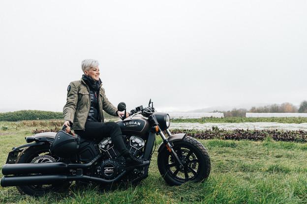 Sandrine Pingeon: «Je me suis offert mon premier jean de marque. Ça a mis mon père en colère, il n'a jamais compris qu'on puisse dépenser autant d'argent pour un pantalon.» (Photo: Edouard Olszewski)