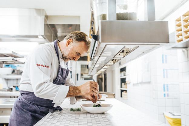 Le chef partage un conseil aux amateurs: «Goûtez ce que vous cuisinez avant de le servir». (Photo: Edouard Olszewski)