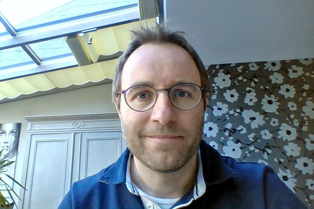 Olivier Waltzing a laissé le bureau à son épouse et s'est installé dans la véranda. (Photo: O. Waltzing)