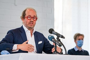 Jean-LouisSchiltz, président du conseil d'adminstration des Hôpitaux RobertSchuman (HRS) s'est justifié pendant une heure. (Photo: Nader Ghavami/Maison Moderne)