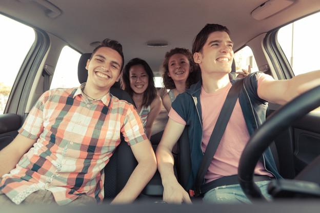 Les jeunes Luxembourgeois voient toujours dans la voiture un symbole de liberté. (Photo: Shutterstock)