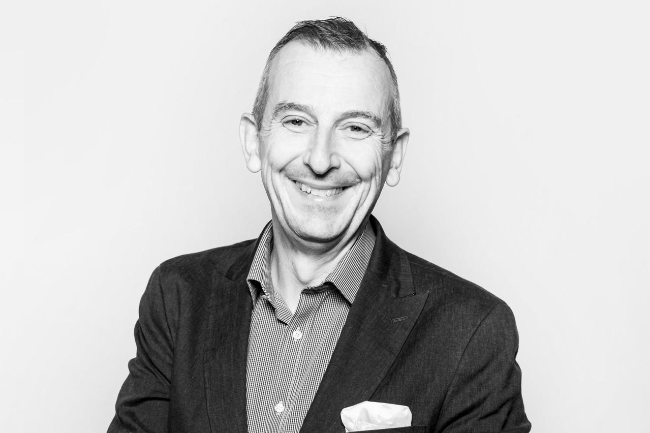 Jim Kent habite au Luxembourg depuis une vingtaine d'années. (Jan Hanrion / Maison Moderne)