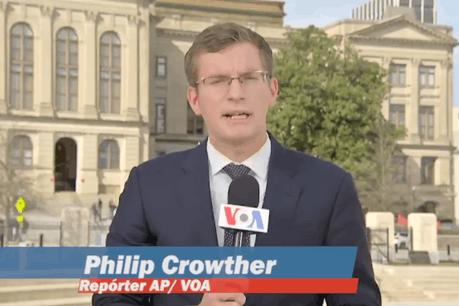 Philip Crowther est notamment correspondant de la Maison-Blanche pour France 24 et pour la radio 100,7. (Photo: Capture d'écran / Twitter @PhilipinDC)