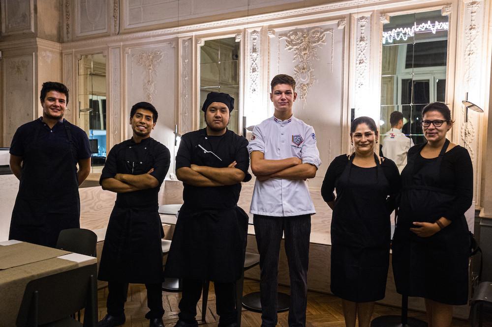 L'équipe du Kay accueille ses clients depuis ce mercredi 23 septembre au Casino Luxembourg, la journée mais aussi le soir – une première dans l'histoire du bâtiment. (Photo: Mike Zenari)