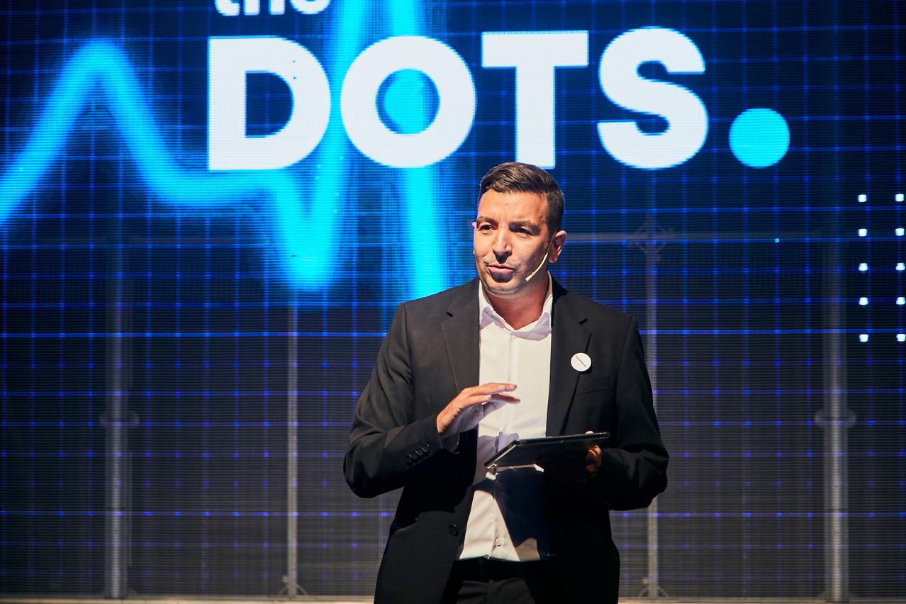 Après des mois à y penser, Kamel Amroune en est sûr: c'est à connecter des points qu'il veut continuer à œuvrer. D'où The Dots. (Photo: Studion Photography)