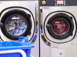 Le nettoyage à sec est connu pour être un mauvais élève en matière de durabilité.  ((Photo: Christof Weber / Klin))