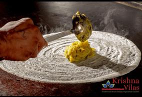 Un plat préparé par un chef cuisinier. ((Photo: Krishna Vilas))