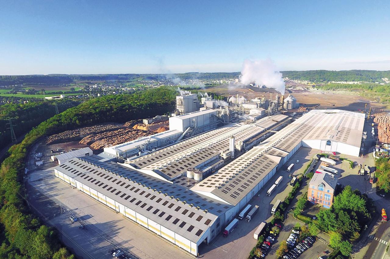Environ 13.500 panneaux photovoltaïques seront installéssur les toits du site de Kronospan de Sanem. (Photo: Kronospan Luxembourg)